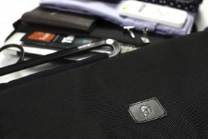 Close-up shot fo a PLIQO folding garment bag