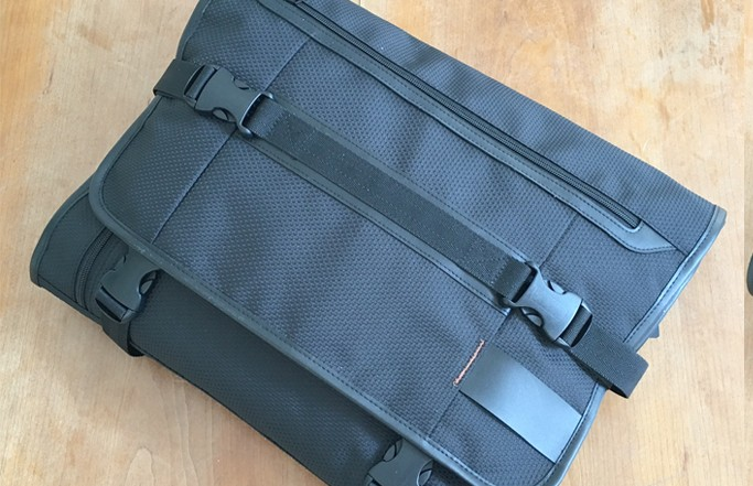 PLIQO Black Carry-on Garment Bag