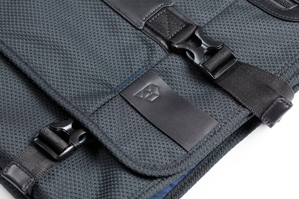 Buckle detail PLIQO Carry-On Blue Lining